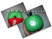 Дырявое яблоко с червячком и мышкой (hand made)