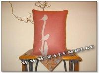 Декоративная подушка с птичкой (hand made)