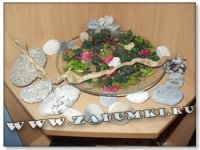 Композиция из камней, лепестков и ветки (hand made)