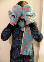 Комплект-монстр из шарфика и перчаток