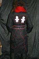 Веселенькая куртка с двуми пупсиками