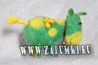 Зеленая коровка (hand made)