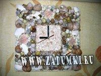 Часы из морских ракушек