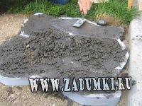 Дорожка из камня и цемента