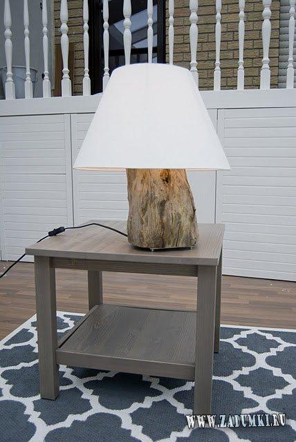 Настольная лампа из пня