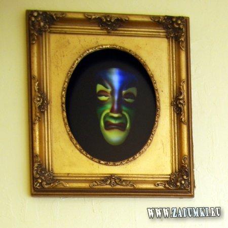 Старая рама превращается в изображение с маской