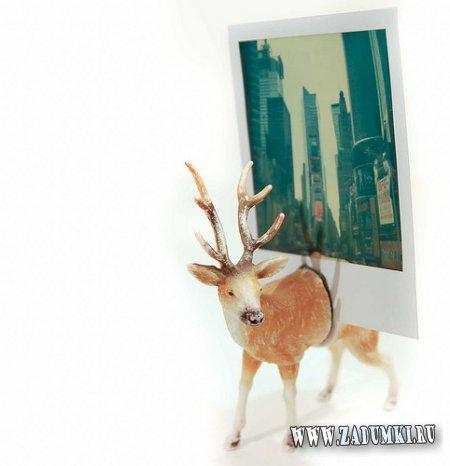 Подставка для фото из пластиковой игрушки