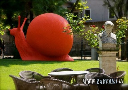 Инсталяции из гиганских улиток в Вашем саду