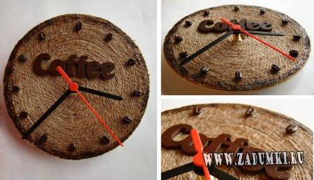 Часы с декором из кофейных зерен